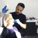 El Dr. Lisandro Farollch de Nu Clinic impartiendo formación